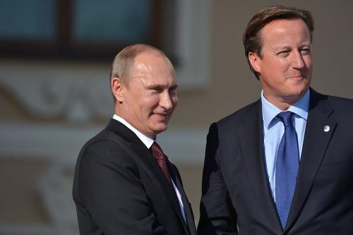 Кэмерон выразил сожаления Путину— Авиакатастрофа вЕгипте