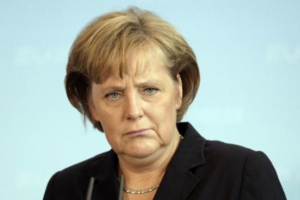 Партия Меркель иХСС согласовали политику вотношении беженцев