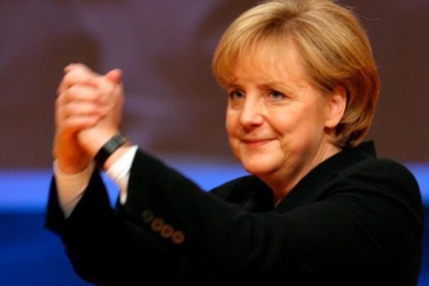 Меркель сообщила оготовности рассмотреть все предложения Кэмерона почленству вЕС