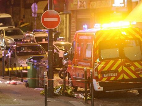 Около футбольного стадиона встолице франции прозвучали два взрыва, Олланд эвакуирован