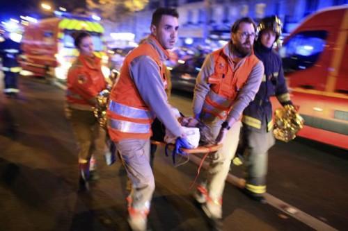 Генеральный секретарь ООН призвал освободить заложников изтеатра встолице франции
