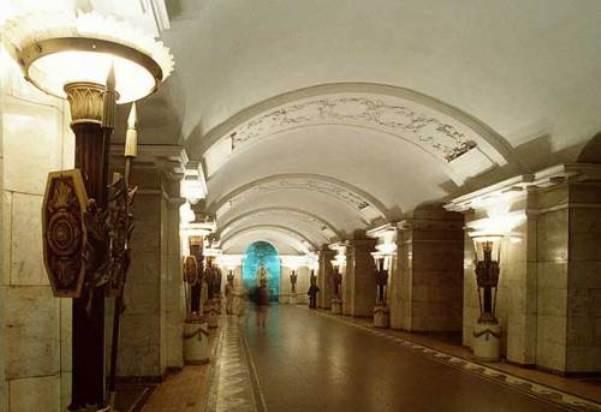 Вновогоднюю ирождественскую ночь метро вПетербурге незакроется