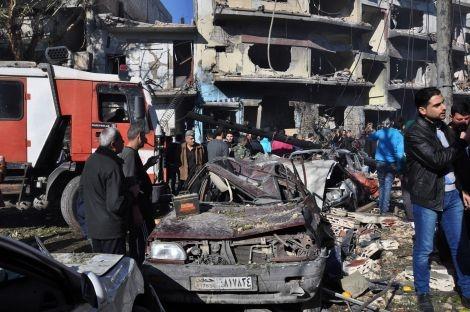 Практически 100 человек погибли, либо пострадали в итоге теракта всирийском Хомсе