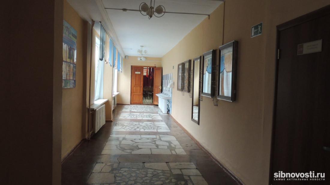 ВИркутске школу №19 закрывают из-за аварийного состояния здания
