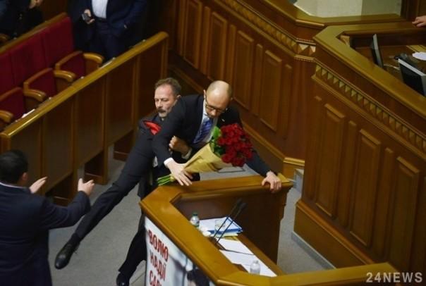 Реакция западных СМИ наконфликт Барны иЯценюка