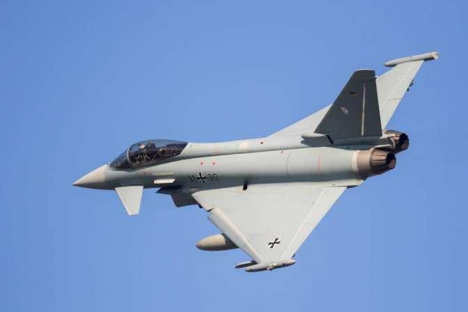 ВФРГ назвали Eurofighter беззащитным против ЗРС С-400