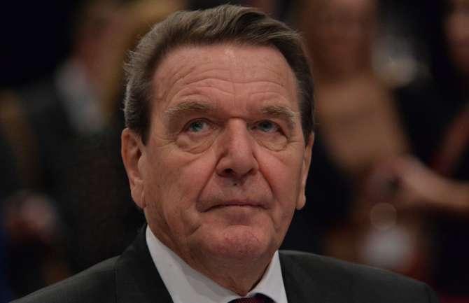 Шредер призвал кнезависимости от воздействия США вторговле