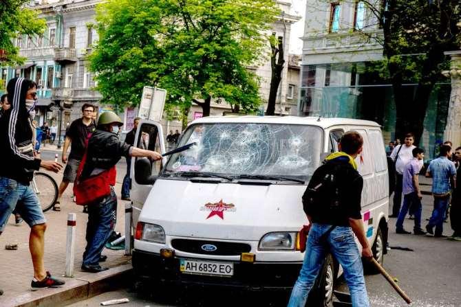 Захарова порекомендовала корреспонденту изАвстрии обратиться из-за угроз вОБСЕ