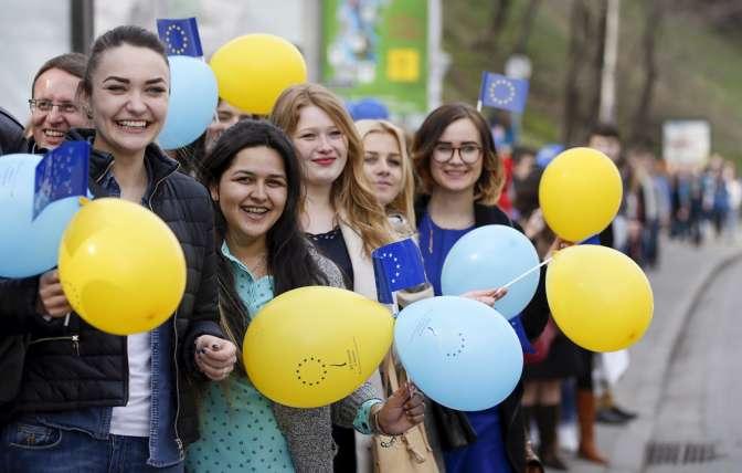 Украинцам привьют «правильные» ценности социальной рекламой: «Что такое Европа»