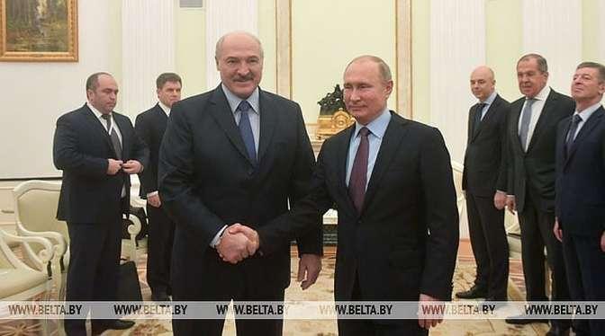Путин иЛукашенко договорились сделать рабочую группу для решения проблемных вопросов