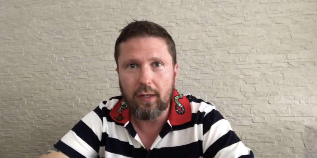 Блогер Шарий подаёт всуд наПорошенко— «Life.ru»