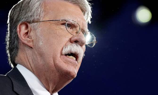 Болтон посмеялся над Мадуро, навыступлении которого отключился свет