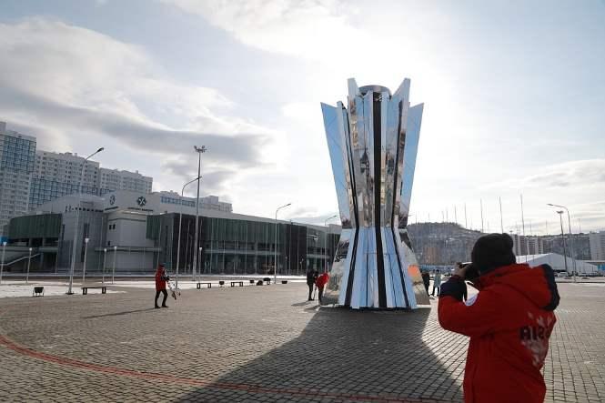 ВКрасноярске установили 300-килограммовую чашу огня Универсиады