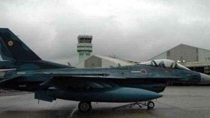 Японский истребитель-бомбардировщик F-2 пропал срадаров