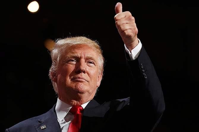 Трамп пожелал всего хорошего «сумасшедшему Берни» впрезидентской гонке