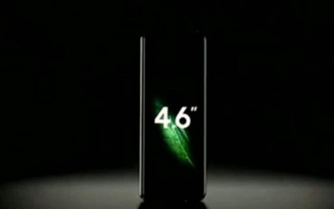 Компания Самсунг представила смартфон Galaxy Fold сгнущимся дисплеем