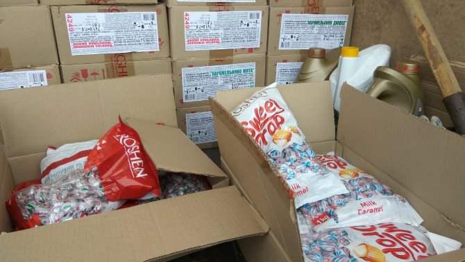 Награнице Челябинской области задержали фуру сконфетами Порошенко