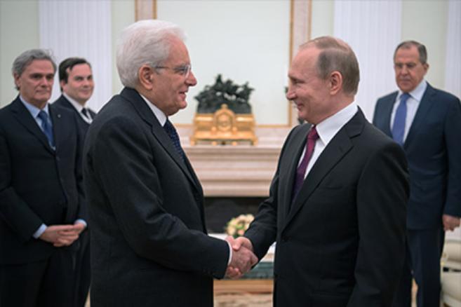 Путин согласился посетить Италию