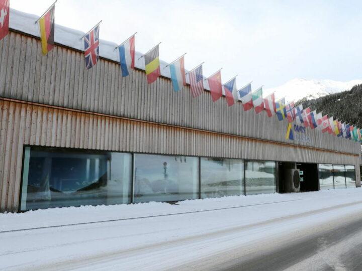 Выступление выдающихся спикеров в первый день виртуальной встречи в Давосе