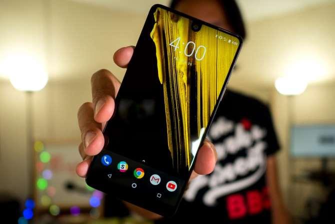 Разработанный создателем андроид смартфон Essential Phone сняли спроизводства