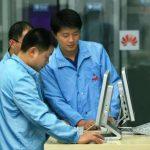 Huawei урезала заработную плату двум сотрудникам запубликацию твита сайфона