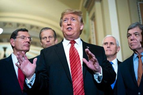 Трамп поведал, как выйти избюджетного кризиса Президент США Дональд Трамп предложил
