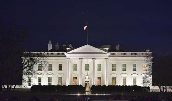 Белый дом начал подготовку квведению режимаЧП вСША